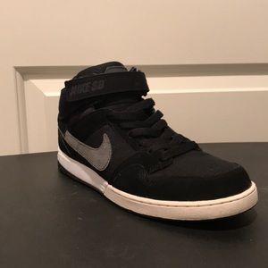 Nike ZoomAir Mogan mid 2 SB